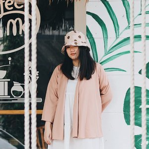 Sunday Funday 🌸 . . . . . #clozetteid #ootd #ootdindo #lookbook #lookbookindonesia #lifestyleblogger #fashion #blogger #fashionblogger #wiwt #potd #vscocam #eosm10 #lovelife #instagood #streetstyle #potd #eosmdiaries #ggrep #ggrepstyle #cgstreetstyle #streetfashion #setterspace