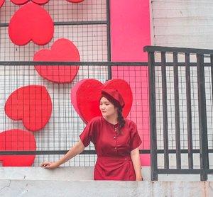 Happy Valentine's Day!! Pakai foto lama sebelum punya buntut 😆 . . . . . #clozetteid #ootd #ootdindo #lookbook #lookbookindonesia #lifestyleblogger #fashion #blogger #fashionblogger #wiwt #potd #vscocam #eosm10 #lovelife #instagood #streetstyle #potd #eosmdiaries #ggrep #ggrepstyle #cgstreetstyle #streetfashion #setterspace #magicedit #explorebandung