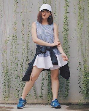 Punya dress tanpa lengan tapi bosan makainya? I have tips for you dan sudah up di blog aku loh. And this is my second look.  2. Sporty Look Tipsnya: Pakai sneaker is the key to look sporty. Tambahin cap or jacket, and you go girl!  More on : jssicanovia.blogspot.com Link on bio ya 💙 . . . #clozetteid #ootd #ootdindo #lookbook #lookbookindonesia #lifestyleblogger #fashion #blogger #fashionblogger #wiwt #potd #vscocam #eosm10 #lovelife #instagood #streetstyle #potd #eosmdiaries #ggrep #ggrepstyle #streetstyle #cgstreetstyle #LYKEambassador #weLYKEit #whatweLYKE #LYKEootd #LYKE #beautynesiaid #beautynesiamember #Charisceleb #mixandmatch #tipsandtricks