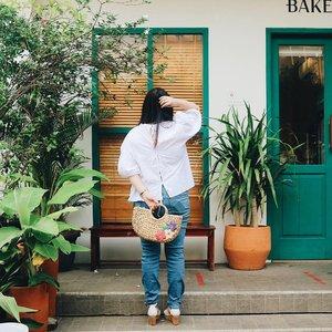 Happy long weekend people 🌼 . . . . . #clozetteid #ootd #ootdindo #lookbook #lookbookindonesia #lifestyleblogger #fashion #blogger #fashionblogger #wiwt #potd #vscocam #eosm10 #lovelife #instagood #streetstyle #potd #eosmdiaries #ggrep #ggrepstyle #cgstreetstyle #streetfashion #setterspace