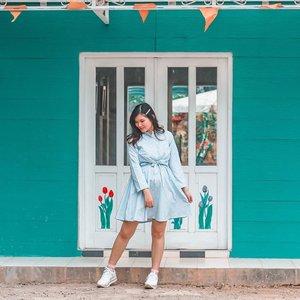2 days left to weekend 🐊 . . . . . . #clozetteid #ootd #ootdindo #lookbook #lookbookindonesia #lifestyleblogger #fashion #blogger #fashionblogger #wiwt #potd #vscocam #eosm10 #lovelife #instagood #streetstyle #potd #eosmdiaries #ggrep #ggrepstyle #cgstreetstyle #streetfashion #setterspace #magicedit #explorebandung
