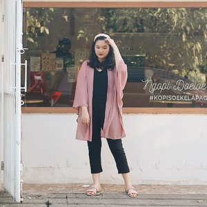One small positive thought can change your whole day 👀 . . . . . . . #clozetteid #ootd #ootdindo #lookbook #lookbookindonesia #lifestyleblogger #fashion #blogger #fashionblogger #wiwt #potd #vscocam #eosm10 #lovelife #instagood #streetstyle #potd #eosmdiaries #ggrep #ggrepstyle #cgstreetstyle #streetfashion #setterspace