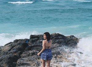 Serius ini takut kecebur 😂😂 . . . #clozetteid #LYKEambassador #holidays #beach #explorebali #balibible #pandawabeach #instagood #lovelife #blogger #pantai #baliholiday #baliadvisor #balibeach #balinesia