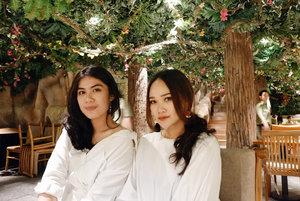 the selfies 🌿 #dibuangsayang . . . . . . #motd #makeupoftheday #art #mua #muajakarta #muaindonesia #makeup #makeupartist #selfie #girl #indobeautyblogger #beautyblogger #beauty #blogger #indobeautygram #beautybloggerindonesia #youtuber #youtuberindonesia #lagirlcosmetics #makeupwisuda #makeuprevolution #wakeupmakeup #vegasnay #mymakeup #muaawesome #beautybloggerindonesia #lakmemakeup #dailymakeup #clozetteID