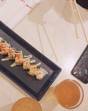Ain't no best dinner.Warteg is waaayyy better (and cheaper). #Clozetteid #foodflatlay #dinner #makandisemarang