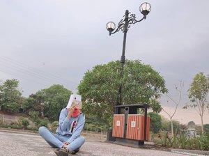 🌳🌳🍃 Kapan ya bisa jalan ke public space tanpa maskeran tanpa was-was?#ClozetteID #bookstagram #greenery