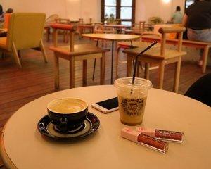 Coffee, pleasae!⠀⠀⠀⠀⠀⠀⠀⠀⠀⠀⠀⠀⠀⠀⠀⠀⠀⠀#coffeeaddict #clozetteid #ngopibarengvirly