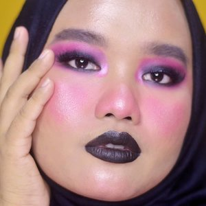 🖤 Anti-Valentine's Day Makeup Look 🖤..Tadinya mau bikin blush bentuk heart tapi jele jadi gue baurin aja deh biar samar-samar malu-malu gitu ☺🖤. Oh iya nanti ada makeup serupa karena di Valentine's Day tahun ini sepertinya nggak mau bikin makeup manis-manis manja deh hAhAhA. Atau tetep bikin aja yak??.Btw, happy friday! 🙌🏽🙌🏽..Details:@morphebrushes 35B Color Burst Artistry Palette@makeoverid Eyeliner Pencil - Black Jack@lavielash - Bluebell (didobel seperti biasa~~)@makeoverid Ultra Hi-Matte Lipstick - Outrageous.#makeupbyutiazka #antivalentinesday #makeupoftheday #valentinesday2019 #kbbvbyacb #crueltyfreebeauty #makeuplooks #makeupcommunity #bunnyneedsmakeup #setterspace #clozetteid