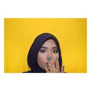 Selamat liburan, semuanya!🎡🎢 One Brand Makeup Look: @eminacosmetics on my blog!  Shop @eminacosmetics at @sociolla, add SBNLAOB9 to get IDR 50.000 disc for minimum purchase IDR 250.000👓  #clozetteid #bloggerceria #bloggerperempuan #femalebloggersid #SociollaBloggerNetowrk #SociollaBlogger #beautybloggerid #eminacosmetics #motd #makeuplook #onebrandmakeup