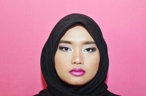 Satu lagi yak potonya h3h3h3. Udah nonton belom tu one brand makeup tutorial edisi brand @wnwcosmetics? Kolaborasi #BloggerCeriaXWetNWildIndonesia nihh. Liat juga kreasi teman-teman @bloggerceriaid yang keren-keren banget yah!🚀💕 #clozetteid #bloggerceria #beautybloggerid #bloggerperempuan #femalebloggersid #onebrandmakeup #wetnwild #motd #vlogcompetition