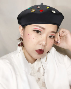 Nyari topi barret gini dimana sih gengs? P.S: ini topinya halu pake filter hp. LOL 😆 . . . . . . . . . #makeup #shiseidoid #clozetteid #PowerofMakeUp #Undiscovered_muas @shiseidoid #AsianVlogger #tampilcantik  #charisceleb  @indovidgram @powerofmakeup @bombtutorial #nofilter #nofilterneeded @awesomemakeup.p @indobeautygram @tampilcantik @bvlogger.id @hicharis_official @makeup_up @powderroom.co.kr #메이크업 #메이크업아티스트 #freckles #kirakiramakeup #nailart #BeautyChannelID