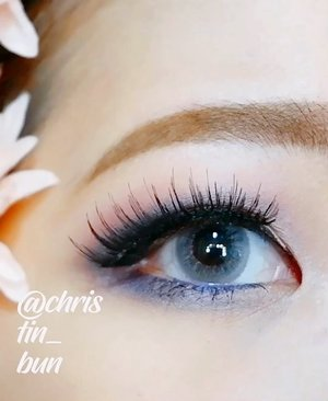 [CLOSER LOOK FOR EYE & LIP DETAIL w/ @lovefromzahara ]Product used :Quarto Eyeshadow Palette in Romantic VintageLipstick All Day Matte in Girl Next Door..#IndobeautyVlogger#clozetteid#makeuptutorial#tampilcantik #ragamkecantikan#화장품#코스메틱#뷰티#뷰티블로거#indobeautysquad @powerofmakeup@bombtutorial @sbsin.kor@awesomemakeup.p #romanticlook @indobeautygram@tampilcantik @bvlogger.id@ragam_kecantikan@makeup_up @powderroom.co.kr