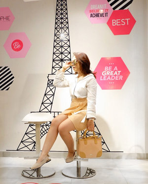 TAP & SWIPE to see detail on my #ootd & whole activity today at their new store 👉🏻👉🏻👉🏻 Congrats for the opening @sophieparis.etc.bandung ! . . . #ootd@ootdindo@ootdmagazine@lookbookindonesia@looksmagazine@cosmogirl_ind @lookbookindonesia @styled.ootd #clozetteid #styleblogger #ootd #lookbookindonesia #ootdasian #styleootd#stylenanda #styleicon #whatiwore  #styleasia #ootdindo #ootdfashion #fujigirl #fujixa3 #terfujilah  #스트릿스타일#스트릿패션#얼짱#패션피플 #파워블로거 #GrandOpeningEtcBandung
