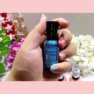 Last but not least, Here is how the #SallyHansen #NailPolish Xtreme Wear - Blizzard #blue looks like 💙 #bellereneebeauty #day4 Year End Favorite - #nailpolish 💅 #jovialbeauty16 #clozetteid #nail #nailcolor #beauty