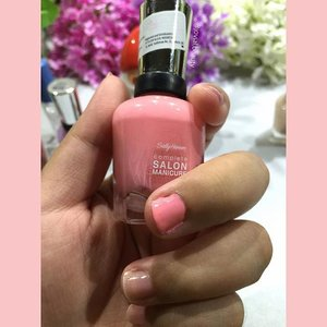Here is how the #SallyHansen - I Pink I Can color looks like 💕 please pardon the messy application 🙏 #bellereneebeauty #day4 Year End Favorite - #nailpolish 💅 #jovialbeauty16 #clozetteid #nail #nailcolor #beauty