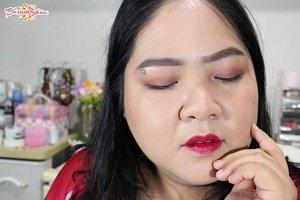 Ada yang bisa tebak?  Disini aku pakai shade #liptint @sariayu_mt no berapa? 😃 . Full review dan swatches sudah available diblog aku blossomshine.com 💖 . #blossomshine #sariayumarthatilaar #liptintindo #makeuptalk #wakeupandmakeup #firstmakeup #tampilcantik #beautybloggerindonesia #beautybloggertangerang #Beautiesquad #kbbvmember #freshmakeup #clozetteid #makeuplokal #indobeautygram