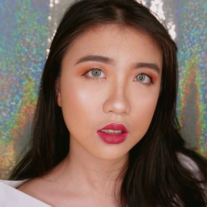 What do you think of this makeup look? I've been trying out @fentybeauty foundation shade 150 for base and 320 for contour. And I look tanned here😂😂. But luckily I got my new lippies from @shopvelvetvanity and it suits my look here. It's a sneak peek btw! Gonna post more soon😍😍😍💖💄.....#clozetteid #mybenefitbrows #benefitbrows