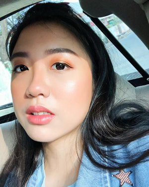 Guess what? I only used half drop of @esteelauder Double Wear Foundation and it's look DABOMB! I'm shook for sure!.Makeup details:- foundation: @esteelauder Double Wear Foundation shade 2N1 Desert Beige- powder: a little bit of @pondsindonesia BB Magic Powder under my eye and T-Zone- eyebrows: Ka-Brow @benefitindonesia Shade 03 & Gimme Brow 03- eyeshadow: @colourpopcosmetics Cute AF- eyeliner: @katvondbeauty Tattoo Liner- blush: @tartecosmetic Amazonian Clay Blush in Seduce- highlighter: @nyxcosmetics_indonesia Love you so mochi Highlighting Palette Arcade Glam- lippie: @maybelline Lip Gradation Coral 1..#clozetteid #benefitcosmetics #benefitbrows #maybelline #maybellineindonesia #maybellineid #nyxcosmetics #nyxcosmeticsindonesia #esteeid #esteelauder #esteelauderdoublewear #katvond #katvondbeauty #tarte #tartecosmetics #colourpop