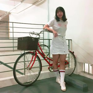 Found this cute bicycle inside the parking lot🚲❣️Have a good day everyone! . . . . #clozetteid