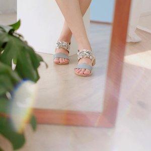 Comfiest yet prettiest sandal ever!💘✨🌷 @pvra.official 💗 . . #clozetteid