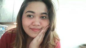 MAKEUP SIMPLE KE KANTOR . . . . Product details (Sebelumnya aku pakai sunscreen + primer yawww dari rumah) Foundation @maybelline  Blush @jafracosmetics @eminacosmetics  Lipstick @aleysiabeauty  Eyebrow @mukka_kosmetik  Highligter @mizzucosmetics x @rachgoddard  Contour @nyxcosmetics_indonesia . . . . #bunnyneedsmakeup #beautycollabid @beautycollab.id #beautyranger @beautyranger.id @bunnyneedsmakeup #tampilcantik @tampilcantik #indobeautygram @indobeautygram #bvloggerid @bvlogger.id #indobeautysquad @indobeautysquad #beautychannelid @beautychannel.id @beautycollabgram #beautycomunita @beautycomunita #beautygoersid @beautygoers #beautynesia @beautynesia.id #makeuphasnosize #makeupwakeup #makeupreview #makeuptutorial #bloggermafia @bloggermafia #ClozetteID #clozette @clozetteid #BeautyblenderID #linerandbrowsss #fakeupfix #BloggirlsId @bloggirls.id #Bekasibeautyenthusiast @bekasibeautyenthusiast #Makeuptutorial #koreansong #likeview #likes