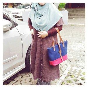 Color mood: earth-tone......#tapfordetails #fashionmodesty #hijabfashion #islamicfashionistas #hijabootd #hijabootdindo #ootd #ootdindo #lookbookindonesia #modeststreetfashion #modestmodeofficial #themodestymovement #chestcoveringhijab #modestmuhaajaba #hijabcovered #hijabinspiration #hijabstyle #indonesianhijabi #ClozetteID