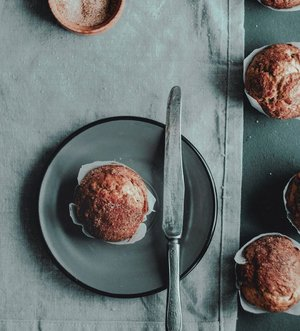 Fresh bake muffins for beautiful Sunday 🧁. How do you treat your Sunday?••••#lifestyleguide #menslifestyle #freshsunday #sundayfundays #moodboards #aestheticallypleasing #moodboardsaesthetic #unsplash #unsplashphoto #mensfashionbloggers #foodposting #clozetteid #theshonet