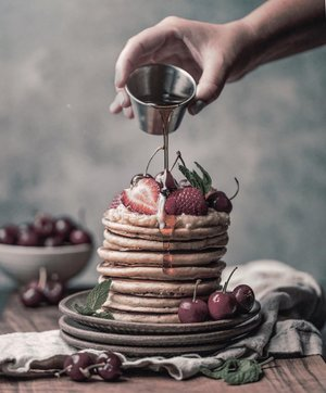 Found this picture as my weekend's #moodboards .//And yes, it's always been a sweet little thing for me:). Stay inspired guys 💗.......#visualcreator #pancakes #unsplash #visualfodder #visualgrams #indovisualgram #saturday #howareyoutoday #stayinspired #insposhot #inspocafe #ggrep #ggrepstyle #clozetteid #theshonet