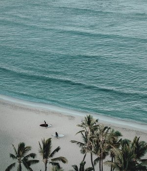 LET ME SWIM THROUGH THE DAY. BUT HEY, I'M KIDDING. I CAN'T SWIM IN THE OCEAN AND THIS IS JUST TO INCREASE MY GOOD MOOD 🌊 •Salah satu hal yang emang bikin good mood buat aku adalah berenang, tapi bukan di laut hehe. Melainkan di kolam renang yang super Instagrammable and with the perfect view.––Kalau kalian gimana?, Bagaimana cara kalian untuk ningkatin mood kalian?(Pic by: Brandon Cormier via @unsplash )••••#unsplash #unsplashphoto #lifeblogs #lifestyleblogs #lifestyler #lifestyleguide #menblogger #mensinstastyle #bloggerguide #fashionblogging #asianguys #moodboards #clozetteid #theshonet #menslifestyle