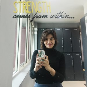 Strength comes from within  #clozetteid #behealthy #strength #training #sport #naturalbeauty #healthylifestyle #healthy #behealtywithmelgib #behappy #bestrong #lovesports #muaythai #boxing #waystofit