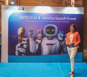 Hari ini di UBTech AI & robotics launch event seru banget sekarang adik-adik dari SD udh mulai belajar soal robotic ini sekaligus mendukung revolusi industri 4.0 yg dicanangkan pemerintah.  Kita sendiri ga boleh ketinggalan dong pastinya.  #mc #onduty #presscon #presskon #ubtech #storyi #clozetteid