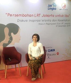Happy mother's day!! Perayaan hari ibu di Indonesia memiliki makna yg berbeda dengan yg dirayakan diluar negeri. Di Indonesia kita akan lebih melihat bagaimana ibu bisa berkarir & melakukan tugas-tugas rumah tangga. Tapi harus di ingat juga sebagai perempuan kita harus mensupport satu dg yg lain. and good to be true to have a community and share what you have and do on that community.#mc #moderator #mcindonesia #mcjakarta #moderatorindonesia #clozetteid #hariibu #mothersday #lrtjakarta