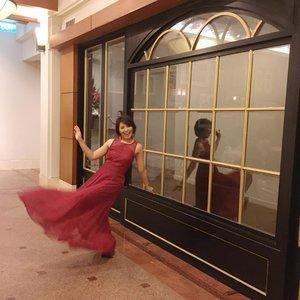 Let's dance 💃🏻 I'm wearing shade True lover for my lips from @socialcosmetics 💋💄 #redisthenewblackootd #reddress #dance #ootd #clozetteid #ootdred #beauty #influencer #socialcosmetics #redmood #beautyinfluencer #fdbeauty #femaledaily #redisbrave