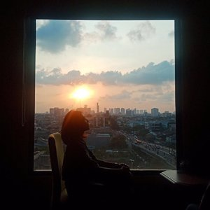 Are you ready to face the morning today? #clozetteid #morning #siluet #silhouette #city