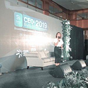 Event pertama barengan sama @habitat_id di Surabaya dan dibantu sama @vyseovivi . #presenter #mc #mcindonesia #clozetteid