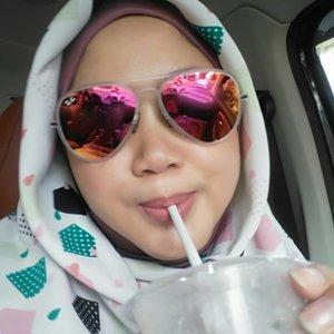 @animobakery es kopi moka to start the day. Naya masih batpil, jadi kita packing aja deh ya, hahaha. My selfie skill isn't that good, huh. .#clozetteid #selfie #clozettehijab #starclozetter #ootd #hotd #wiwt #hijabootdindo #diaryhijaber #workingmom #socialmediamom #fashionpeople #hijabstyle #instahijab #hijabfashion #hijablook #hijablookbook #fashionstyle #beauty #happyface