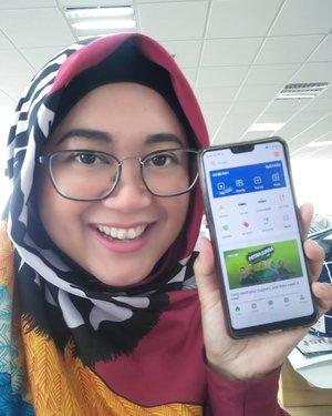 Fans berat @gojekindonesia pasti makin happy deh. Pengguna aplikasi GOJEK sekarang bisa chat dengan sesama user yang ada di kontak kita. Bisa bikin group chat segala lho, mantap yak. ..Makin canggih lagi karena sekarang pakai #GOJEK dan #GO-PAY bikin #PatunganGampang. Bisa split bill lho kakaaaak. Jadi kalo yang suka jajan via #GO-FOOD tinggal patungan dan bayar pakai GO-PAY aja deh. Cucmey buat koordinator jajan pagi, siang, sore, malam macam saya, hahahaha. ..Detailnya udah UP di blog akyuuu.. Cuss meluncur ke www.lisnadwi.com. Link di bio ya. 💙..#inovasigojek #gojekindonesia #inovasianakbangsa ..#clozetteid #starclozetter #life #startup #apps #easy #lisnasays👍