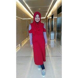 The girl in red. Really love my top by @vaastu.id My current fav shoes by @amazara.id #clozetteid #ootd #clozettehijab #starclozetter #hijabootdindo #ootdindo #ootdindonesia #hijabfashion_2016 #hijabstylebyme #amazarasquad