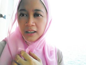 Pagi ini, di kapal, kucel shaaaay.. 😂😂 #clozetteid #clozettehijab #hijablook #lisnamudik #mudiklebaran #hijabstyle