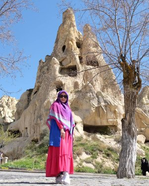 💙💜♥️ ..Cuma mau merasakan kembali aura-aura Turki. 😂😂😂😂😂..#Clozetteid #throwback #holiday #wheninturkey #hijabtraveller #ootd #hijabfashion #terfujilah #fujifilmxt1 #fujifilm #sunglasses