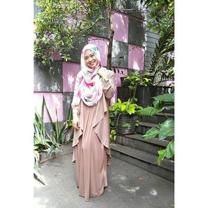 Pastel and earthy color for today's Clozette Blogger Babes Gathering with Lancome & Orlymiin. #clozetteid #ootd #clozettehijab #starclozetter #bloggerbabes #bloggerbabesid #blogger #bloggerlife #hijabootdindo #hijabstyleindonesia #ootdhijabnusantara