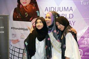 Inspiring youth. #aidijumaxworldhijabday #IStand4Hijab #clozetteid #starclozetter