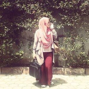 Sneakers kinda day. 👟 #clozetteid #ootd #hotd #hijab #hijabstyle #dailyhijabindo #hijabootdindo #hijablook #hijabfashion #lisnastyle #sneakers #converse