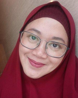 Disenyumin aja deh yaaaa.. 😆..#clozetteid #selfie #OPPOF7 #nomakeup #nofilter #starclozetter #clozettehijab #masyaAllah #hamdalah #skincare #face #bareface #beauty #fashion