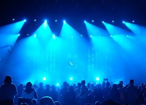 Blue stage while @yurayunita performance. #BNI46 #bnijjfphotocontest #BNIJJF2017 @bni46 #javajazz2017 #jjf2017 #clozetteid #jazzfest #jazzfestival #javajazzfestival #music #performance #incognito #onstage #musician #fujifilm_id #fujifilm #fujixt1 #terfujilah #xt1 #fujifeed