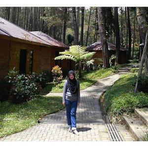 Let's get back home. See you greenery view. #clozetteid #ootd #hootd #clozettehijab #starclozetter #hijabootdindo #hijabstyleindonesia #hijabfashion_2015 #hijabfeature_2015 #hijab