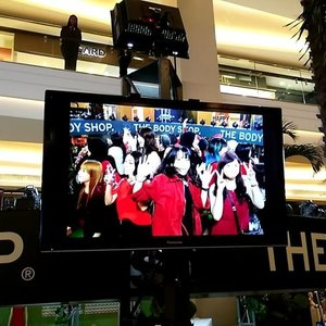 Belanja produk @thebodyshopindo kamu bisa foto 360° ala red carpet hollywood itu loh. Cukup belanja minimal Rp 100.000 aja. #junglebells #jingleinthejungle #clozetteid #clozetteidxtbs