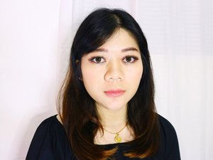 Hi 🙋🏻♀️ dari aku yang sering fail bikin makeup bold yang akhirnya jadi makeup minimalist koreah terus 😅😅  Namanya juga belajar kan 😬  . . . . #motd #makeupoftheday #beautyblogger #makeupideas #lifestyle #instaglam #instabeauty #picoftheday #bbloggers #makeuplook #indonesianbeautybloggers #clozetteid #potd #influencer #indonesiablogger