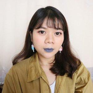 Biar ga dikira kalem, so I bring back the blue lipstick ✌💄Disini, mostly #makeup matanya pake @mizzucosmetics dari eyebrow, eyeshadow, eyeliner dan eyelashes 😁 lagi suka banget sama brand lokal ini karena kualitasnya bagus ................#clozetteid #instabeauty #motd #fierce#bluelips #potd #lookbook #ootd #fotd #clozetteid #얼짱 #셀피 #picoftheday #bblogger #lifestyleblogger #sunnyday #f4f #dailylife #bloggerstyle #photography #like4like #canon #20likes #clozetter #bblogger #prettyinstyle #outfitoftheday #lookbookindo #lookbookindonesia #fashion