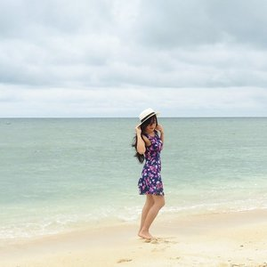 The place when I got You~  #holiday #gilitrawangan #beach #lombok #Indonesia #lombokituindah #wonderfulIndonesia #earthday #saveourplanet #savebeach #lookbookIndonesia #beritafashion #ootd #ootdindo #ootdmagazine #floraldress #hat #whitesand #sand #wind #vacation #sea #fashion #fashionista #fashiondiaries #dandansenin #lifeisbeautiful #lifestyle #fashion #ClozetteAmbassador #clozetteID @clozetteid